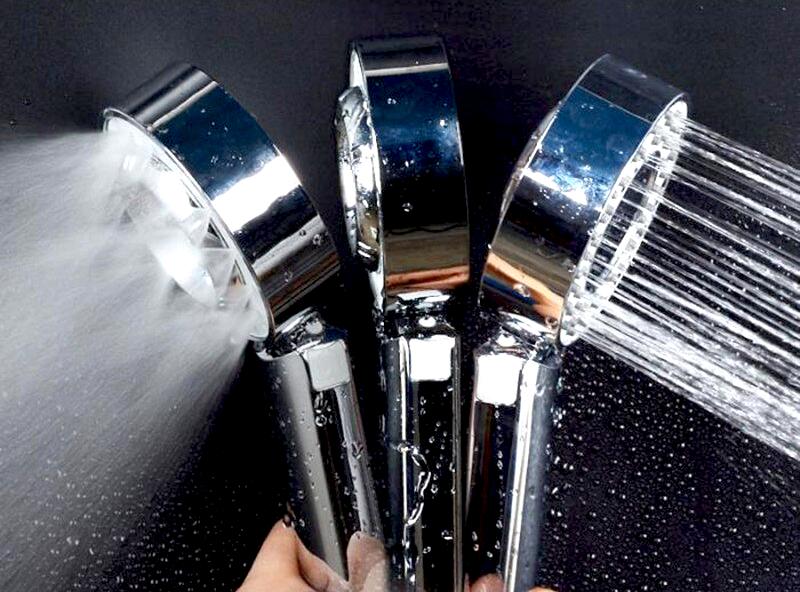 Obojstranná sprchová hlavica so zásobníkom na sprchový gél